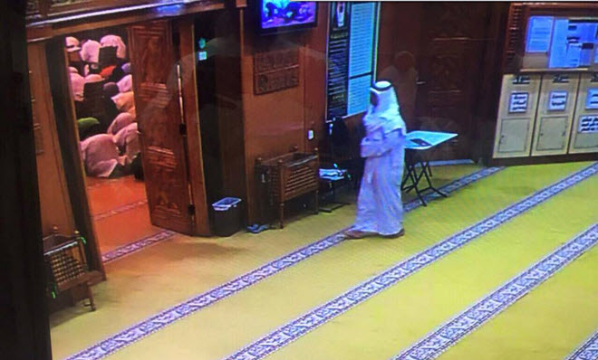 pictures-and-video-of-suicide-bomber-of-Imam-sadiq-mosque-in-kuwait