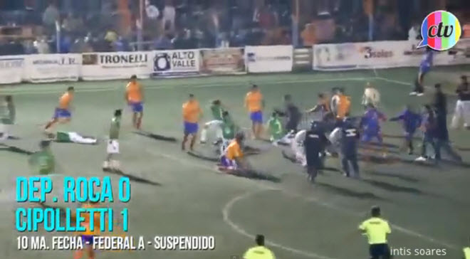 video-wild-football-brawl-in-argentine-league-results-in-12-red-cards