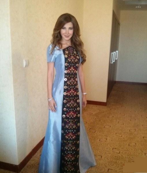 نانسي عجرم مرتدية الزى الوطني لنساء تركمانستان