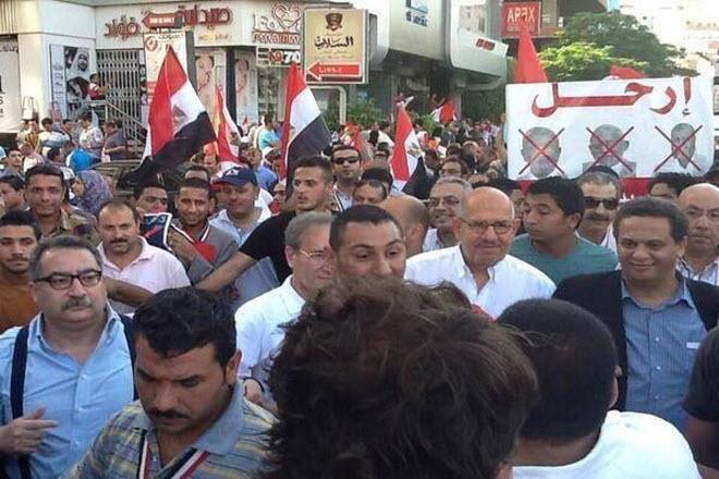 المصريون في الشارع حتى يرحل النظام